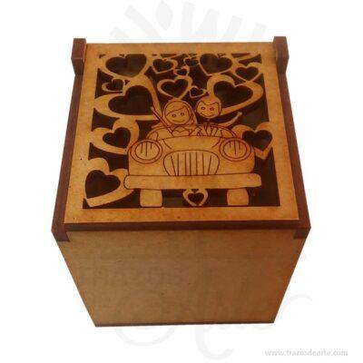 Hermosacaja married con diseño en la tapa, practica y bella para guardar joyas y cosas pequeñas, también puede contener detalles como dulces, chocolates, es perfecta como decoración esta hecha en MDF de 3 mm. Este es un maravilloso regalo, suvenir; empresarial o para amigos y familiares. El joyero es una caja quesirve para contener, guardar y conservar pequeños objetos ornamentales para el cuerpo puede contener joyas o bisutería, si la calidad del recubrimiento de un adorno de bisutería fina es buena, puede ser prácticamente indistinguible de unajoya. Tenga en cuenta que la madera es un material único, por lo que cuándo lo reciba será similar, no exactamente al de la foto. Caja married Material: MDF de 3 mm de Alta Calidad Tamaño 5.5 x 5.5 x 6 cm Color: Descripción en foto Vendido y enviado por: Trazos de Arte. Envió rápido y seguro Personalización Realice un pedido personalizado, podemos agregar lo que desee, como nombre, fecha, frase, logotipo, imagen o empaque regalo. Ofrecemos: Grabado por láser, grabado CNC Router, sublimado o papel adhesivo, el precio varía según el tipo de personalización que desee, encontrara más información enServiciosen nuestro menú secundario. Si desea cotizar o tiene preguntas presione el botónCotizar personalizacióncon gusto las responderemos.