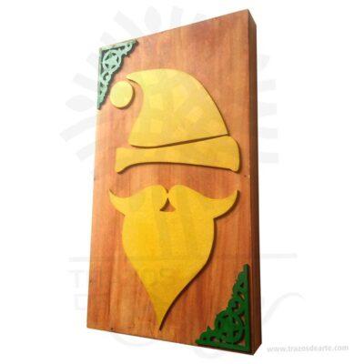 Hermoso Cuadro Santa Navidad artesanal en MDF de alta calidad de 3 mm, son una excelente alternativa a los cuadros tradicionales, pintado a mano. Es un elemento decorativo perfecto para hogar o la empresa. Este es un maravilloso regalo empresarial o para amigos y familiares. Una pintura es elsoporte pintadosobre un muro, un lienzo, lámina o madera. La palabrapinturase aplica también alcolorpreparado para pintar, asociado o no a una técnica de pintura; en este sentido es empleado en la clasificación de la pintura atendiendo a las técnicas de pintar, por ejemplo: «pintura al fresco» o «pintura al óleo». Este cuadro es una variacion de la Intarsia que es una técnica de carpintería que utiliza formas variadas, tamaños y especies de madera encajadas para crear una imagen de mosaico con una ilusión de profundidad. Intarsia se crea a través de la selección de diferentes tipos de madera, utilizando su patrón de grano natural y el color (pero puede implicar el uso de manchas y tintes) para crear variaciones en el patrón.  Cuadro Santa Navidad Tamaño 35 × 20 × 3 cm. Material: MDF de alta calidad 3 mm. Color: Descripción en foto. Pintado a mano. Vendido y enviado por: Trazos de Arte. Envió rápido y seguro. Personalización Realice un pedido personalizado, podemos agregar lo que desee, como nombre, fecha, frase, logotipo, imagen o empaque regalo. Ofrecemos: Grabado por láser, grabado CNC Router, sublimado o papel adhesivo, el precio varía según el tipo de personalización que desee, encontrara más información enServiciosen nuestro menú secundario. Si desea cotizar o tiene preguntas presione el botónCotizar personalizacióncon gusto las responderemos.