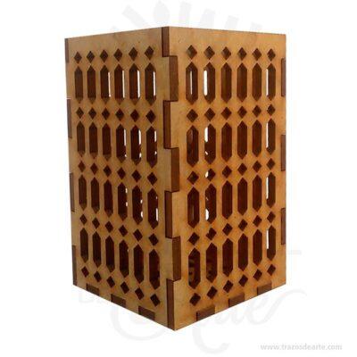 Hermosa y prácticas cajas lapiceras en MDF de 3 mm, practica y bella puede contener otro tipo de detalles como dulces, chocolates. También es perfecto como decoración. Este es un maravilloso regalo, suvenir; empresarial o para amigos y familiares. Elporta lápiceses un objeto que tiene como principal función sostener y mantener loslápices, bolígrafos y otros útiles de dibujo o escritura de forma ordenada y al alcance para utilizarlos de forma rápida en determinadas situaciones. De este modo, se dan mayores facilidades para hacer uso de ellos y no perder tiempo en buscarlos, sin despreciar el aporte decorativo que ofrecen. Tenga en cuenta que la madera es un material único, por lo que cuándo lo reciba será similar, no exactamente al de la foto. Lapiceras Material: Madera Pino de la Naturaleza Color: Descripción en foto Tamaño 5,5 x 5,5 x 8,5 cm Vendido y enviado por: Trazos de Arte. Envió rápido y seguro. Personalización Realice un pedido personalizado, podemos agregar lo que desee, como nombre, fecha, frase, logotipo, imagen o empaque regalo. Ofrecemos: Grabado por láser, grabado CNC Router, sublimado o papel adhesivo, el precio varía según el tipo de personalización que desee, encontrara más información enServiciosen nuestro menú secundario. Si desea cotizar o tiene preguntas presione el botónCotizar personalizacióncon gusto las responderemos.