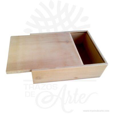 Práctica Caja fotógrafo 32 X 32 X 5 cm para personalizar, viene con hermosas texturas de vetas naturales y un aroma de madera natural. Perfecto para entregar fotos de boda u otras eventos. Esta caja de fotos de madera es realmente original mantendrá sus recuerdos por muchos años. No ocupa mucho espacio y será una decoración de su hogar. Nuestra caja de fotos de madera es la mejor solución para fotógrafos de bodas. La caja de madera de la foto perfeccionará el regalo para la boda, el aniversario, el día de San Valentín u otros eventos. Caja fotógrafo 32 X 32 X 5 cm para personalizar Material: Madera Pino de la Naturaleza Color: Descripción en foto Tamaño 32 x 32 x 5 cm Dimensión interior: 30,6 x 30,6 x 3,7 cm Vendido y enviado por: Trazos de Arte. Envío rápido y seguro. Fecha estimada de entrega: De 5 a 7 días (en Bogotá, Medellín, Cali), al resto del país de 7 a 14 días. Personalización Realice un pedido personalizado, podemos agregar lo que desee, como nombre, fecha, frase, logotipo, imagen o empaque regalo. Ofrecemos: Grabado por láser, grabado CNC Router, sublimado o papel adhesivo, el precio varía según el tipo de personalización que desee, encontrara más información enServiciosen nuestro menú secundario. Si desea cotizar o tiene preguntas presione el botónCotizar personalizacióncon gusto las responderemos.