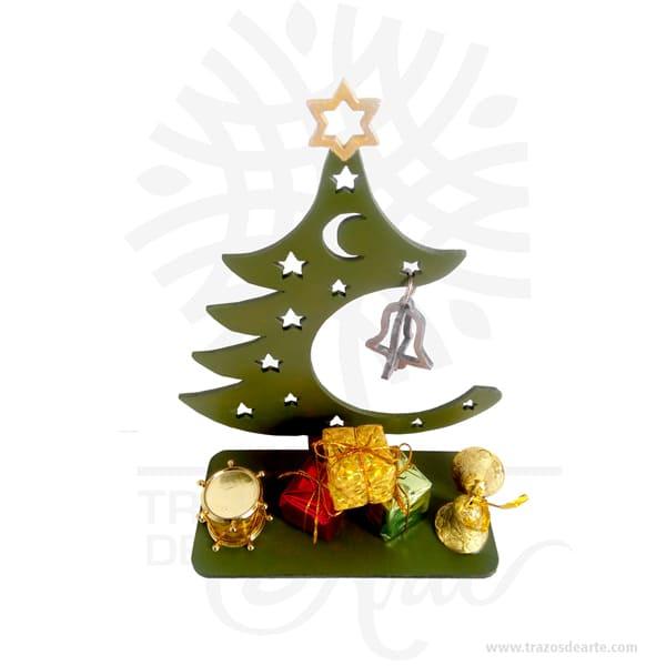 Arbol navidad regalos en MDF de 3 mm, cortado con láser. Este es un maravilloso regalo, suvenir; empresarial o para amigos y familiares.  La Navidad (en latín: nativitas, 'nacimiento'), también llamada coloquialmente «pascua»,  es una de las festividades más importantes del cristianismo, junto con la Pascua de resurrección y Pentecostés. Esta solemnidad, que conmemora el nacimiento de Jesucristo en Belén, se celebra el 25 de diciembre en la Iglesia católica, en la Iglesia anglicana, en algunas comunidades protestantes y en la mayoría de las Iglesias ortodoxas. En cambio, se festeja el 7 de enero en otras Iglesias ortodoxas como la Iglesia ortodoxa rusa o la Iglesia ortodoxa de Jerusalén, que no aceptaron la reforma hecha al calendario juliano para pasar al calendario conocido como gregoriano, nombre derivado de su reformador, el papa Gregorio XIII. El 25 de diciembre es un día festivo en muchos países celebrado por millones de personas alrededor del mundo y también por un gran número de no cristianos. Arbol navidad regalos en MDF de 3 mm Material: MDF de 3 mm de Alta Calidad Tamaño 18 x 8 x 20 cm Color: Descripción en foto (Pintado a mano) Vendido y enviado por: Trazos de Arte. Envió rápido y seguro Personalización Realice un pedido personalizado, podemos agregar lo que desee, como nombre, fecha, frase, logotipo, imagen o empaque regalo. Ofrecemos: Grabado por láser, grabado CNC Router, sublimado o papel adhesivo, el precio varía según el tipo de personalización que desee, encontrara más información en Servicios en nuestro menú secundario. Si desea cotizar o tiene preguntas presione el botón Cotizar personalización con gusto las responderemos.