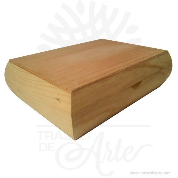 Caja estuche de 18 x 24 x 7.5 cm en Madera con 6 divisiones para personalizar, viene con hermosas texturas de vetas naturales y un aroma de madera natural. También es perfecto para guardar joyas y cosas pequeñas. Es perfecto para guardar joyas y cosas pequeñas. Este es un maravilloso regalo, suvenir; empresarial o para amigos y familiares. Unestuchees una caja pequeña que sirve para guardar cosas de forma ordenada. Generalmente, se utiliza para objetos de pequeñas dimensiones y de cierto valor:joyas,relojes,plumas estilográficas, etc. A la industria que fabrica y comercializa estuches, se la llamaestuchería. En muchas ocasiones, y dependiendo del objeto, el estuche cuenta con unforradointerno para evitar el maltrato del objeto a ser cuidado. El forro interior puede ser de tela o de material esponjoso como laespuma de poliuretanopara ayudar aamortiguarel impacto en caso que, por ejemplo, se cayera el estuche con el objeto dentro o durante su transporte. Tenga en cuenta que la madera es un material único, por lo que cuándo lo reciba será similar, no exactamente al de la foto. Caja estuche de 18 x 24 x 7.5 cm en Madera con 6 divisiones para personalizar Material: Madera Pino de la Naturaleza Color: Descripción en foto Tamaño: 18 x 24 x 7.5 cm 6 divisiones internas. Vendido y enviado por: Trazos de Arte. Envió rápido y seguro. Fecha estimada de entrega: De 5 a 7 días (en Bogotá, Medellín, Cali), al resto del país de 7 a 14 días. Personalización Realice un pedido personalizado, podemos agregar lo que desee, como nombre, fecha, frase, logotipo, imagen o empaque regalo. Ofrecemos: Grabado por láser, grabado CNC Router, sublimado o papel adhesivo, el precio varía según el tipo de personalización que desee, encontrara más información enServiciosen nuestro menú secundario. Si desea cotizar o tiene preguntas presione el botónCotizar personalizacióncon gusto las responderemos.