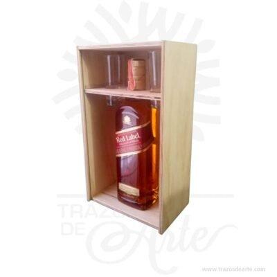 Caja regalo licor para personalizar en madera de 32 X 20 X 11 cm en crudo.Práctica caja para decorar y regalar, perfecta para los amantes de las manualidades y decoradores de fiestas y bodas. Esta caja de madera de pino es realmente original mantendrá sus recuerdos por muchos años. No ocupa mucho espacio y será una decoración de su hogar. La caja de madera perfeccionará el regalo para la boda, el aniversario, el día de San Valentín u otros eventos. La puede encontrar también como caja en MDF, caja decorativa , caja decorativa en madera MDF, cajas de madera para regalo o caja en madera con tapa. Elembalaje de maderase utiliza para para determinados productos tradicionales de gama alta (puros, bebidas alcohólicas, etc.). Los embalajes de madera siguen gozando de una buena imagen ante el consumidor al percibirlo como unproducto higiénico y con connotaciones de alta calidad. Se puede imprimir, aunque deficientemente, incorporando la marca y el logotipo del productor, así como otros mensajes prácticos. Siemprepuede destruirse o reciclarseevitando posibles problemas bacterianos derivados de lavados defectuosos. La caja de madera ha conseguido introducirse en determinados nichos de mercado muy localizados en cuanto a tamaño y producto en los que ha obtenido una gran fidelidad por parte de los compradores. Caja regalo licor para personalizar en madera de 32 X 20 X 11 cm en crudo Material: Madera Triplex de pino de alta calidad. Color: Descripción en foto Tamaño 32 x 20 x 11 cm El precio incluye personalizacion tamaño 8 X 6 cm. No incluye licor. Vendido y enviado por: Trazos de Arte. Envío rápido y seguro. Fecha estimada de entrega: De 5 a 7 días (en Bogotá, Medellín, Cali), al resto del país de 7 a 14 días. Personalización Realice un pedido personalizado, podemos agregar lo que desee, como nombre, fecha, frase, logotipo, imagen o empaque regalo. Ofrecemos: Grabado por láser, grabado CNC Router, sublimado o papel adhesivo, el precio varía según el tipo de personalización que