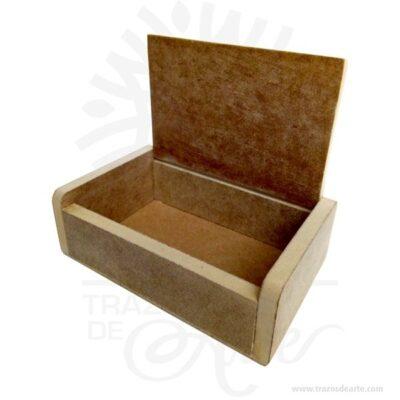 Caja estuche dulces de 15,5 X 9,5 X 5 cm crudo, hecha madera MDF de 9 mm espesor, tapa bisagra.También es perfecto para guardar joyas y cosas pequeñas. Perfecto para boda u otras eventos. Esta caja de madera es realmente original mantendrá sus recuerdos por muchos años. No ocupa mucho espacio y será una decoración de su hogar. La caja de madera perfeccionará el regalo para la boda, el aniversario, el día de San Valentín u otros eventos. Esta caja de madera es realmente original. Este es un maravilloso regalo, suvenir; empresarial o para amigos y familiares. También puede usarse comoestuchepara guardar cosas de forma ordenada. Generalmente, se utiliza para objetos de pequeñas dimensiones y de cierto valor:joyas,relojes,plumas estilográficas, etc. A la industria que fabrica y comercializa estuches, se la llamaestuchería. Este tipo de productos se pueden encontrar también bajo el nombre de envoltorio, maleta,caja, valija, joyero, estuche, guardajoyas, huacal entre otros. En muchas ocasiones, y dependiendo del objeto, el estuche cuenta con unforradointerno para evitar el maltrato del objeto a ser cuidado. Tenga en cuenta que la madera es un material único, por lo que cuándo lo reciba será similar, no exactamente al de la foto. Caja estuche dulces de 15,5 X 9,5 X 5 cm crudo Material: Madera MDF de Alta calidad Color: Descripción en foto Tamaño 15,5 X 9,5 X 5 Vendido y enviado por: Trazos de Arte. Envió rápido y seguro. Fecha estimada de entrega: De 5 a 7 días (en Bogotá, Medellín, Cali), al resto del país de 7 a 14 días. Producto 100% ecológico yamigable con el medio ambiente Personalización Realice un pedido personalizado, podemos agregar lo que desee, como nombre, fecha, frase, logotipo, imagen o empaque regalo. Ofrecemos: Grabado por láser, grabado CNC Router, sublimado o papel adhesivo, el precio varía según el tipo de personalización que desee, encontrara más información enServiciosen nuestro menú secundario. Si desea cotizar o tiene preguntas presione el botónCotiz