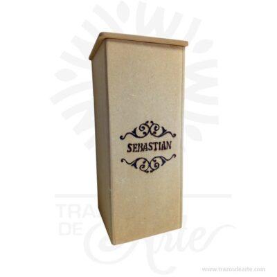 Caja madera en MDF regalo 25 X 11 X 11 cm para personalizar, Este es un maravilloso regalo, suvenir; empresarial o para amigos y familiares. Estacaja estuche madera es realmente original mantendrá sus recuerdos por muchos años. No ocupa mucho espacio y será una decoración de su hogar. La caja de madera perfeccionará el regalo para la boda, el aniversario, el día de San Valentín u otros eventos. La puede encontrar también como caja en MDF, caja decorativa , caja decorativa en madera MDF, cajas de madera para regalo o caja en madera con tapa. Elembalaje de maderase utiliza para para determinados productos tradicionales de gama alta (puros, bebidas alcohólicas, etc.). Ya sabes, si quieres hacer un regalo diferente contacta a Trazos de Arte transforma tus ideas en regalos ideales para cumpleaños, bodas, aniversarios, eventos o cualquier tipo de celebración. Encontraras cajas de madera para regalo, para anchetas, decorativas, para vinos, licores, además, cofres, baúles y variedad de estilo para diferentes usos. (Se fabrican con medidas personalizadas). Una caja que sin duda será un recuerdo que se guardará para siempre. Tenga en cuenta que la madera es un material único, por lo que cuándo lo reciba será similar, no exactamente al de la foto. Caja madera en MDF regalo 25 X 11 X 11 cm para personalizar Material: Madera MDF de 5.5 mm Color: Descripción en foto Tamaño: 25 x 11 x 11 cm Vendido y enviado por: Trazos de Arte. Envió rápido y seguro. Fecha estimada de entrega: De 4 a 6 días (en Bogotá, Medellín, Cali), al resto del país de 7 a 14 días. Personalización Realice un pedido personalizado, podemos agregar lo que desee, como nombre, fecha, frase, logotipo, imagen o empaque regalo. Ofrecemos: Grabado por láser, grabado CNC Router, sublimado o papel adhesivo, el precio varía según el tipo de personalización que desee, encontrara más información enServiciosen nuestro menú secundario. Si desea cotizar o tiene preguntas presione el botónCotizar personalizacióncon gusto las r