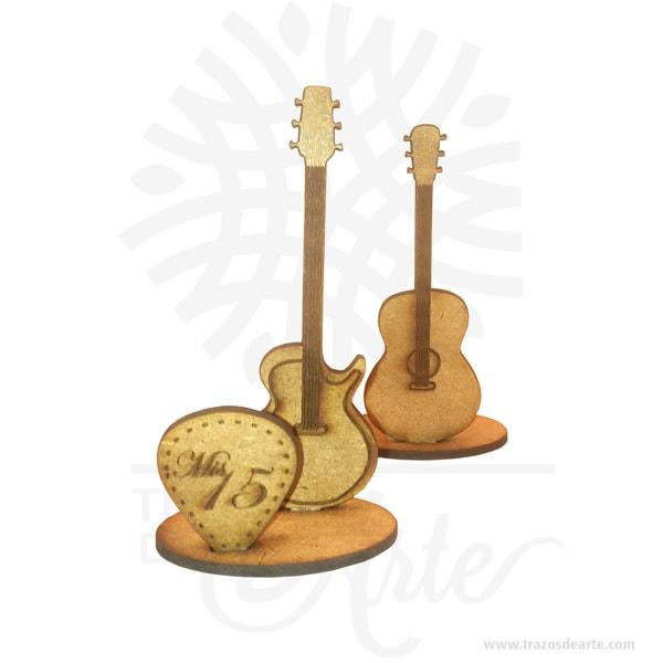 Suvenir de Guitarra hecho en MDF cortado a láser, perfecto como regalo o decoración en reuniones familiares, cumpleaños, XV, eventos, etc. Agrega un toque personal a tu decoración. Fabricado y vendido por Trazos de Arte.Este es un maravilloso regalo, suvenir; empresarial o para amigos y familiares.Es el detalle indicado para entrega de tarjetas, o regalo de recuerdo. La personalización permite caracterizar completamente el producto convirtiéndolo en un regalo verdaderamente único.Unsouvenir,suvenir orecuerdo, es un objeto que atesora a las memorias que están relacionadas a él.Tenga en cuenta que la madera es un material único, por lo que cuándo lo reciba será similar, no exactamente al de la foto.Suvenir Guitarra en MDFMaterial: MDF de 3 mm de Alta CalidadTamaño:Color: Descripción en fotoVendido y enviado por: Trazos de Arte.Envió rápido y seguroPersonalizaciónRealice un pedido personalizado, podemos agregar lo que desee, como nombre, fecha, frase, logotipo, imagen o empaque regalo.Ofrecemos:Grabado por láser, grabado CNC Router, sublimado o papel adhesivo, el precio varía según el tipo de personalización que desee, encontrara más información enServiciosen nuestro menú secundario.Si desea cotizar o tiene preguntas presione el botónCotizar personalizacióncon gusto las responderemos.