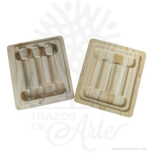 Caja estuche tapa ajustable de 11.5 x 13.5 x 3 cm en madera de pino y triplex de okume para personalizar, viene con hermosas texturas de vetas naturales y un aroma de madera natural.También es perfecto como exhibidor, dulcero o joyero. Es un hermoso detalle que puedes personalizar por completo para un regalo completamente único.Este es un maravilloso regalo, suvenir; empresarial o para amigos y familiares.Esta caja es realmente original mantendrá sus recuerdos por muchos años.No ocupa mucho espacio y será una decoración de su hogar.La caja de madera perfeccionará el regalo para la boda, el aniversario, el día de San Valentín u otros eventos.La puede encontrar también como caja en MDF, caja decorativa , caja decorativa en madera MDF, cajas de madera para regalo o caja en madera con tapa.Elembalaje de maderase utiliza para para determinados productos tradicionales de gama alta (puros, bebidas alcohólicas, etc.).Los embalajes de madera siguen gozando de una buena imageny con connotaciones de alta calidad.Se puede imprimir,, incorporando la marca y el logotipo del productor, así como otros mensajes prácticos.La caja de madera ha conseguido introducirse en determinados nichos de mercado muy localizados en cuanto a tamaño y producto en los que ha obtenido una gran fidelidad por parte de los compradores.Tenga en cuenta que la madera es un material único, por lo que cuándo lo reciba será similar, no exactamente al de la foto.Caja estuche tapa ajustable en madera de 11.5 x 13.5 x 3 cmMaterial: Madera Pino y triple de OkumeColor: Descripción en fotoTamaño: 11.5 x 13.5 x 3 cmCierre DoradoFecha estimada de entrega: De 5 a 7 días hábiles (en Bogotá, Medellín, Cali), al resto del país de 7 a 14 días.Recuerda que el tiempo de entrega comienza a partir del momento en que tu pago sea confirmado.Todos los productos son entregados al domicilio que informaste al realizar la compra.Vendido y enviado por: Trazos de Arte.Envió rápido y seguro.Fecha estimada de entrega: De 5 a 7 días (en B