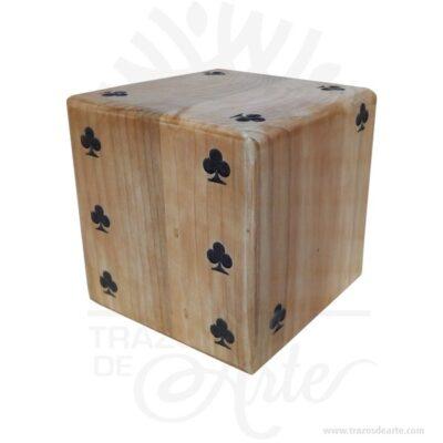Dado gigante en madera de pino (10 x 10 x 10 cm) para personalizar, diviértete con tus juegos de dados favoritos al aire libre o en el piso. Son ideales para fiestas infantiles o reuniones con amigos. Se vende por unidad. Los dados se utilizan con frecuencia para introducir un factor aleatorio en diferentesjuegos de mesa. No obstante, existen también muchos juegos puramente «de dados» y muchas variaciones sobre ellos. Algunos ejemplos son: Generala Póker mentiroso Dudo Craps Boggle Tenga en cuenta que la madera es un material único, por lo que cuándo lo reciba será similar, no exactamente al de la foto. Dado gigante en pino (10 x 10 x 10 cm) Material: Madera de PIno Color: Descripción en foto Tamaño: 10 x 10 x 10 cm Fecha estimada de entrega: De 7 a 9 días hábiles (en Bogotá, Medellín, Cali), al resto del país de 7 a 14 días. Recuerda que el tiempo de entrega comienza a partir del momento en que tu pago sea confirmado. Todos los productos son entregados al domicilio que informaste al realizar la compra. Vendido y enviado por: Trazos de Arte. Envió rápido y seguro. Fecha estimada de entrega: De 5 a 7 días (en Bogotá, Medellín, Cali), al resto del país de 7 a 14 días. Personalización Realice un pedido personalizado, podemos agregar lo que desee, como nombre, fecha, frase, logotipo, imagen o empaque regalo. Ofrecemos: Grabado por láser, grabado CNC Router, sublimado o papel adhesivo, el precio varía según el tipo de personalización que desee, encontrara más información enServiciosen nuestro menú secundario. Si desea cotizar o tiene preguntas presione el botónCotizar personalizacióncon gusto las responderemos. ¿Como comprar? Selecciona tu producto. Si tienes alguna duda por favor escríbenos. Haz clic en el botón de compra y la cantidad que deseas. Ingresa los datos de facturación y entrega. Realiza el pago de tu pedido. Recibe el pedido en tu domicilio. En nuestra plataforma encontrarás el método de pago que más se ajusta a tu necesidad.