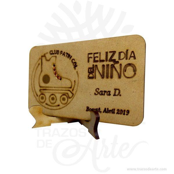 Placa regalo conmemorativa para personalizar en MDF Pack x 12 con soporte. Ideal para trofeos, medallas, reconocimientos, recordatorios entre otros. Este es un maravilloso regalo, suvenir empresarial o para amigos y familiares. Diseños a pedido y grabado personalizado, con su logo para todas las disciplinas o eventos. Placas conmemorativas con múltiples diseños y tamaños. Entregadas en homenaje, gratificación o reconocimiento personal o de un equipo de trabajo. Tenga en cuenta que la madera es un material único, por lo que cuándo lo reciba será similar, no exactamente al de la foto. Placa regalo conmemorativa para personalizar en MDF Pack x 12 Material: MDF Color: Descripción en foto Tamaño: 8 x 6 cm Cantidad Mínima: 1 Docena Fecha estimada de entrega: De 4 a 5 días hábiles (en Bogotá, Medellín, Cali), al resto del país de 7 a 14 días. Recuerda que el tiempo de entrega comienza a partir del momento en que tu pago sea confirmado. Todos los productos son entregados al domicilio que informaste al realizar la compra. Vendido y enviado por: Trazos de Arte. Envió rápido y seguro. Personalización Realice un pedido personalizado, podemos agregar lo que desee, como nombre, fecha, frase, logotipo, imagen o empaque regalo. Ofrecemos: Grabado por láser, grabado CNC Router, sublimado o papel adhesivo, el precio varía según el tipo de personalización que desee, encontrara más información enServiciosen nuestro menú secundario. Si desea cotizar o tiene preguntas presione el botónCotizar personalizacióncon gusto las responderemos. ¿Como comprar? Selecciona tu producto. Si tienes alguna duda por favor escríbenos. Haz clic en el botón de compra y la cantidad que deseas. Ingresa los datos de facturación y entrega. Realiza el pago de tu pedido. Recibe el pedido en tu domicilio. En nuestra plataforma encontrarás el método de pago que más se ajusta a tu necesidad.
