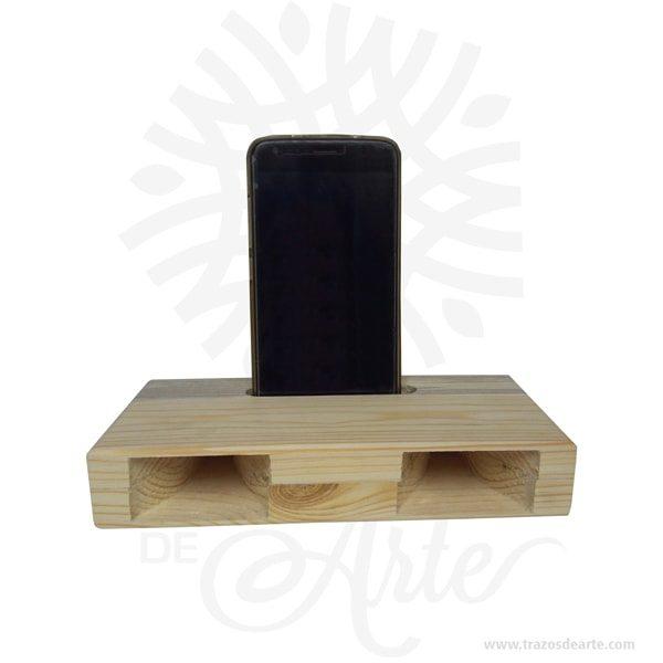 Amplificador pasivo y ecológico en madera de pino soporte para teléfono móvil para personalizar, no necesita batería ni mantenimiento. Donde deberíamos encontrar los altavoces, hay tan solo dos huecos, a través de los cuales sale el sonido amplificado. Altavoz inalámbrico. Ecológico, funcional, minimalista, original y simpático. Hecho de forma artesanal con acabado natural, su funcionamiento se basa en la amplificación del sonido dentro de la cavidad del altavoz. La estudiada estructura y diseño, amplifica y mejora el sonido de la mayoría de terminales móviles, además también te sirve como soporte del teléfono móvil. Sólo tienes que colocar tu smartphone en la ranura y dejarlo que suene. Amplificador pasivo y ecológico en madera de pino Material: Madera de pino Color: Descripción en foto Tamaño: 20 x 10 x 3,6 cm Este producto se puede personalizar. Fecha estimada de entrega: De 3 a 4 días hábiles (en Bogotá, Medellín, Cali), al resto del país de 7 a 14 días. Recuerda que el tiempo de entrega comienza a partir del momento en que tu pago sea confirmado. Todos los productos son entregados al domicilio que informaste al realizar la compra. Vendido y enviado por: Trazos de Arte. Envió rápido y seguro. Personalización Realice un pedido personalizado, podemos agregar lo que desee, como nombre, fecha, frase, logotipo, imagen o empaque regalo. Ofrecemos: Grabado por láser, grabado CNC Router, sublimado o papel adhesivo, el precio varía según el tipo de personalización que desee, encontrara más información enServiciosen nuestro menú secundario. Si desea cotizar o tiene preguntas presione el botónCotizar personalizacióncon gusto las responderemos. ¿Como comprar? Selecciona tu producto. Si tienes alguna duda por favor escríbenos. Haz clic en el botón de compra y la cantidad que deseas. Ingresa los datos de facturación y entrega. Realiza el pago de tu pedido. Recibe el pedido en tu domicilio. En nuestra plataforma encontrarás el método de pago que más se ajusta a tu necesidad.