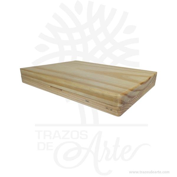 Caja estuche fotógrafo de 22 x 16 x 3 cm en madera de pino con tapa ajuste en crudo, para personalizar, viene con hermosas texturas de vetas naturales y un aroma de madera natural. Perfecto para entregar fotos de boda u otras eventos. Fabricamoscajas de maderapara los que buscan presentar su trabajo de una manera exclusiva y creativa. Las cajas están hechas a mano en maderas nobles de alta calidad y están personalizadas y grabadas con logotipos o texto a su elección, tanto en láser como a todo color impresión en solido. Esta caja de fotos de madera es realmente original y mantendrá en sus recuerdos por muchos años. Puede utilizarlas para entregar reportajes y fotografía de bodas, comuniones, bebes, niños, para celebraciones y eventos. También puede adquirir una unidad dependrive USBdemaderade 8Gb o 16 Gb que también se puede personalizar para que coincida con su marca. Si usted está buscando diferenciarse por encima del resto de la competencia, la inversión en estas cajas sin duda hará que sus clientes se sientan especiales. No ocupa mucho espacio y será una decoración de su hogar. Nuestra caja de fotos de madera es la mejor solución para fotógrafos de bodas. La caja de madera de la foto perfeccionará el regalo para la boda, el aniversario, el día de San Valentín u otros eventos. Caja estuche fotógrafo de 22 x 16 x 3 cm en madera de pino con tapa ajuste en crudo Material: Madera de Pino Crudo Color: Descripción en foto Tamaño: 22 x 16 x 3 cm El precio no incluye personalización, ni tampoco pendrive USB.(Se venden por separado) Fecha estimada de entrega: De 5 a 6 días hábiles (en Bogotá, Medellín, Cali), al resto del país de 7 a 14 días. Recuerda que el tiempo de entrega comienza a partir del momento en que tu pago sea confirmado. Todos los productos son entregados al domicilio que informaste al realizar la compra. Vendido y enviado por: Trazos de Arte. Envió rápido y seguro. Personalización Realice un pedido personalizado, podemos agregar lo que desee, como nombre, 