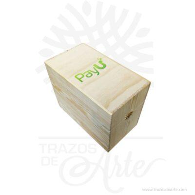 Caja de madera para almacenamiento de teléfonos móviles en sala de reuniones de 23 x 14 x 20 cm hecha en madera de pino. ¡Ideal para para aulas, reuniones, fiestas y eventos! Su gran tamaño le ofrece una multitud de posibilidades creativas. Viene con cierres. Esta caja de madera de pino es realmente original. Práctica caja perfecta para decorar . No ocupa mucho espacio y será una decoración de su empresa a institución. La puede encontrar también como caja en madera, caja decorativa , caja decorativa en madera de pino, cajas de madera para regalo o caja en madera con tapa. Elembalaje de maderase utiliza para para determinados productos tradicionales de gama alta (puros, bebidas alcohólicas, etc.). Los embalajes de madera siguen gozando de una buena imagen ante el consumidor al percibirlo como unproducto higiénico y con connotaciones de alta calidad. Se puede imprimirincorporando la marca y el logotipo, así como otros mensajes prácticos. Siemprepuede destruirse o reciclarse. La caja de madera ha conseguido introducirse en determinados nichos de mercado muy localizados en cuanto a tamaño y producto en los que ha obtenido una gran fidelidad por parte de los compradores. Tenga en cuenta que la madera es un material único, por lo que cuándo lo reciba será similar, no exactamente al de la foto. Caja de madera para almacenamiento de teléfonos móviles en sala de reuniones Material: Madera de Pino y MDF de alta calidad. Color: Descripción en foto Tamaño 23 x 14 x 20 cm El precio no incluye personalización Fecha estimada de entrega: De 5 a 6 días hábiles (en Bogotá, Medellín, Cali), al resto del país de 12 a 18 días. Recuerda que el tiempo de entrega comienza a partir del momento en que tu pago sea confirmado. Todos los productos son entregados al domicilio que informaste al realizar la compra. Vendido y enviado por: Trazos de Arte. Envío rápido y seguro.   Personalización Realiza un pedido personalizado, podemos agregar lo que desees, como nombre, fecha, frase, logotipo, imag