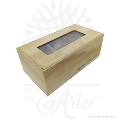 Caja para té en madera personalizada 23 x 12 x 9 cm. Perfecta para guardar objetos pequeños o joyas, cuenta con tapa bisagra y divisiones (3 espacios removibles). ¡Ideal para un estupendo regalo! Esta elegante caja de lujo, es un maravilloso regalo, suvenir; empresarial o para amigos y familiares. No ocupa mucho espacio y será una decoración de su hogar. La caja de madera perfeccionará el regalo para la boda, el aniversario, el día de San Valentín u otros eventos. La puede encontrar también como caja en triplex de pino, caja decorativa , caja decorativa en madera, cajas de madera para regalo o caja en madera con tapa. La caja de madera ha conseguido introducirse en determinados nichos de mercado muy localizados en cuanto a tamaño y producto en los que ha obtenido una gran fidelidad por parte de los compradores. Tenga en cuenta que la madera es un material único, por lo que cuándo lo reciba será similar, no exactamente al de la foto. Caja para té en madera personalizada Material: Triplex de pino Color: Descripción en foto Tamaño: 23 x 12 x 9 cm Fecha estimada de entrega: De 4 a 5 días hábiles (en Bogotá, Medellín, Cali), al resto del país de 7 a 14 días. Recuerda que el tiempo de entrega comienza a partir del momento en que tu pago sea confirmado. Todos los productos son entregados al domicilio que informaste al realizar la compra. Vendido y enviado por: Trazos de Arte. Envió rápido y seguro. Personalización Realiza un pedido personalizado, podemos agregar lo que desees, como nombre, fecha, frase, logotipo, imagen o empaque regalo. Ofrecemos: Grabado por láser, grabado CNC Router, sublimado o papel adhesivo, el precio varía según el tipo de personalización que desee, encontrara más información enServiciosen nuestro menú secundario. Si desea cotizar o tiene preguntas presione el botónCotizar personalizacióncon gusto las responderemos. ¿Cómo comprar? Selecciona tu producto. Si tienes alguna duda por favor escríbenos. Haz clic en el botón de compra y la cantidad que des