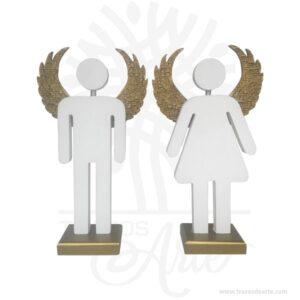 Figuras pareja de ángeles pintados de 27 x 15,5 x 6 cm, Regalos Amor y Amistad figuras decorativas de ángeles plantado con sus alas abiertas, ideales para aportar un toque especial a tu entorno, perfectas para la decoración en ceremonias como bodas, bautizos o cumpleaños. Son recordatorios muy especiales ideal para adornos en bodas, bautizos, fiestas infantiles, cumpleaños y todo tipo de eventos. Estas bonitas figuras de ángel con alas son un regalo encantador o una decoración perfecta para el hogar, lo puedes personalizar con tu nombre, tus iniciales o algún diseño especial. Este es un maravilloso regalo, suvenir; empresarial o para amigos y familiares. Unángeles un sersobrenatural, inmaterial o espiritual cuyos deberes son asistir y servir aDios. Los ángeles son a menudo representados como mensajeros de Dios en la Biblia. Son considerados como criaturas de gran pureza destinadas en muchos casos a la protección de los seres humanos. Hermosos recuerdo de comunión, bautizo, baby shower, nacimiento, son en madera MDF de excelente calidad, todos se pueden grabar. En la actualidad se utilizan diariamente como merchandising publicitario por parte de marcas o accesorio por jóvenes, y se encuentran en distintos estilos, formas y decoración. Tenga en cuenta que la madera es un material único, por lo que cuándo lo reciba será similar, no exactamente al de la foto. Figuras pareja de ángeles en pintado de 27 x 15,5 x 6 cm Material: MDF de 18 mm de alta calidad Color: Descripción en foto Tamaño 27 x 15,5 x 6 cm C/U Fecha estimada de entrega: De 5 a 7 días hábiles (en Bogotá, Medellín, Cali), al resto del país de 7 a 14 días. Recuerda que el tiempo de entrega comienza a partir del momento en que tu pago sea confirmado. Todos los productos son entregados al domicilio que informaste al realizar la compra. Vendido y enviado por: Trazos de Arte. Envió rápido y seguro. Personalización Realiza un pedido personalizado, podemos agregar lo que desees, como nombre, fecha, frase, logotipo,