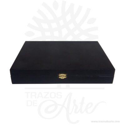Caja estuche en madera de 32 x 22 x 5,5 cm pintada de negro para personalizar con paño interno. Es un hermoso detalle que puedes personalizar por completo para un regalo completamente único. Este es un maravilloso regalo, suvenir; empresarial o para amigos y familiares. Esta caja es realmente original mantendrá sus recuerdos por muchos años. No ocupa mucho espacio y será una decoración de su hogar. La caja de madera perfeccionará el regalo para la boda, el aniversario, el día de San Valentín u otros eventos. La puede encontrar también como caja en pino, caja decorativa , caja decorativa en madera pino, cajas de madera para regalo o caja en madera con tapa. Elembalaje de maderase utiliza para para determinados productos tradicionales de gama alta (puros, bebidas alcohólicas, etc.). Los embalajes de madera siguen gozando de una buena imageny con connotaciones de alta calidad. Se puede imprimir,, incorporando la marca y el logotipo del productor, así como otros mensajes prácticos. La caja de madera ha conseguido introducirse en determinados nichos de mercado muy localizados en cuanto a tamaño y producto en los que ha obtenido una gran fidelidad por parte de los compradores. Tenga en cuenta que la madera es un material único, por lo que cuándo lo reciba será similar, no exactamente al de la foto. Caja estuche en madera de 32 x 22 x 5,5 cm pintada de negro Material: MDF Color: Pintada Tamaño: 32 x 22 x 5,5 cm Cierre Dorado El precio no incluye personalización Fecha estimada de entrega: De 5 a 7 días hábiles (en Bogotá, Medellín, Cali), al resto del país de 7 a 14 días. Recuerda que el tiempo de entrega comienza a partir del momento en que tu pago sea confirmado. Todos los productos son entregados al domicilio que informaste al realizar la compra. Vendido y enviado por: Trazos de Arte. Envió rápido y seguro. No incluye domicilio. Personalización Realiza un pedido personalizado, podemos agregar lo que desees, como nombre, fecha, frase, logotipo, imagen o empaque regalo. Of