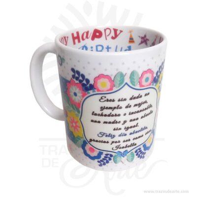 Mug personalizado HAPPY BIRTHDAY interno, pocillo mug para personalizar, es un detalle realmente bello, excelente y original regalo hecho en sublimación. El precio incluye personalización. Regalo perfecto para ocasiones especiales Cumpleaños, Día de la madre, Día de amor y amistad, Compromiso, Aniversario, Graduación, Aprecio de profesores, Día de San Valentín o simplemente porque pensé en ti. Un Muges un tipo detazao pocillo usada para beber bebidas calientes, tales como café,chocolate caliente,sopaoté. Tazas suelen tener manijasy mantener una mayor cantidad delíquidoque otros tipos de taza. Por lo general, una taza contiene aproximadamente 11onzas líquidas(350 ml) de líquido. Una taza es un estilo menos formal del envase de la bebida y no se utiliza generalmente enajustesformales, donde unataza de téounataza decafé se prefiere. Las tazas antiguas eran generalmente talladas en madera o hueso, o en forma de arcilla, mientras que la mayoría de los modernos están hechos dematerialescerámicoscomoporcelana,loza,porcelanaogres. También lo encuentras como mug, pocillo, vaso o taza. Las técnicas como la sublimaciónoadhesivosse utilizan para aplicar decoraciones como logotipos o imágenes, que se disparan sobre la taza para asegurar la permanencia. Mug personalizado HAPPY BIRTHDAY interno Material: Cerámica Color: Blanco Tamaño: 9,5 cm x Diámetro: 8 cm Capacidad: 11oz El precio incluye personalización básica similar foto, (si su diseño es mas complejo te podemos cotizar). Fecha estimada de entrega: De 5 a 6 días hábiles (en Bogotá, Medellín, Cali), al resto del país de 7 a 14 días. Recuerda que el tiempo de entrega comienza a partir del momento en que tu pago sea confirmado. Todos los productos son entregados al domicilio que informaste al realizar la compra. Vendido y enviado por: Trazos de Arte. Envío rápido y seguro. No incluye domicilio. Personalización Realiza un pedido personalizado, podemos agregar lo que desees, como nombre, fecha, frase, logotipo, imagen o empaque r