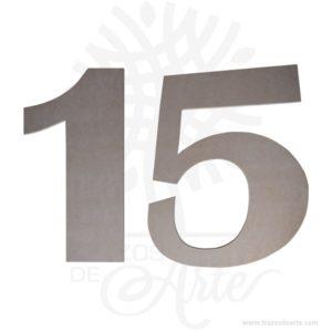 Números y letras de MDF para decoración de boda, cumpleaños y fiesta, estos números y letra son una gran decoración. El valor es por letra, para la fabricación de un nombre o palabra debes pagar el número de letras que lo componen. Perfecto para la decoración de eventos, como centro de mesa y para photocall. El numero con aplique tiene un tamaño aproximado de 40 x 30 cm, perfectas para regalar y decorar. Está fabricado en MDF de 9 mm de espesor. Es un maravilloso regalo ideal para niños, niñas, novios, familiares, amigos o para decorar la empresa. Hechas en MDF, también llamada Madera del futuro.El artículo se entrega pintado. Son geniales para decorar el hogar o matrimonios o reuniones. También los puedes encontrar como Letras decoración, palabras decoradas, frases para matrimonio entre otras. Fabricamos letras, nombres, numeros y palabras ideales para decorar bodas, cumpleaños, fiestas o simplemente añadiendo ese toque especial en tus proyectos de empresa o corporativos. Si deseas otro tamaño o espesor con gusto te lo cotizamos. Acabado liso ideal para pintar a tu gusto. También los encuentras como nombres infantiles,nombres en mdf o carteles y letreros en mdf. Si desea lo puede dejar en crudo para un look natural. Déjanos por favor saber el nombre o palabra que deseas en el cuadro de'Notas del pedido'en Finalizar Compra. Este es un maravilloso regalo, suvenir; empresarial o para amigos y familiares. Estas letras están disponibles en varios tamaños: 5 cm, 8 cm, 10 cm, 15 cm, 20 cm, 25 cm y 30 cm, que le da una multitud de usos: la personalización de puertas, paredes, mesas, repisas o escritorios. Ten en cuenta que la madera es un material único, por lo que cuándo lo recibas será similar, no exactamente al de la foto. Números y letras de MDF paradecoración Material: MDF de 9 mm de espesor Color: Natural (crudo) Tamaño: 40 x 30 cm Fecha estimada de entrega: De 5 a 6 días hábiles (en Bogotá, Medellín, Cali), al resto del país de 7 a 14 días. Recuerda que el tiempo de